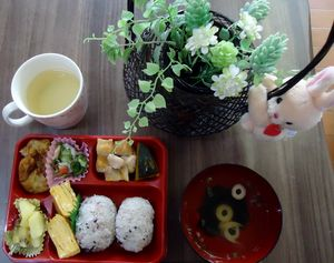 いただき物夏野菜ありがたや弁当~2番館