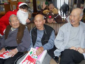 なごみでもクリスマス会~奈摩保育所のみなさんと